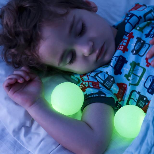 lampe kinderzimmer das richtige licht f r alle f lle. Black Bedroom Furniture Sets. Home Design Ideas